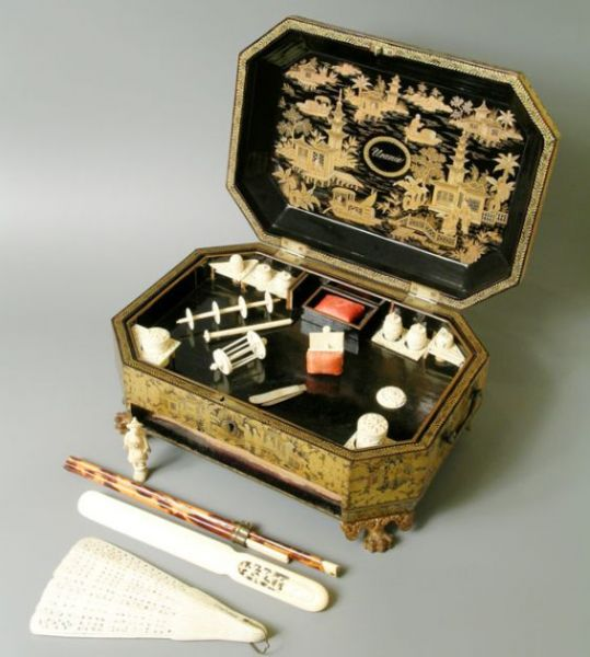 Museum_Cafler-sewing-box.jpg